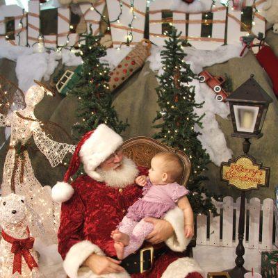 Santa Claus Visits 🎅